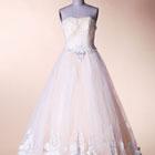 奢华大裙摆婚纱
