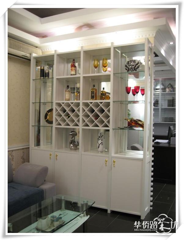 又可以装饰餐厅或者客厅,真的是一举两得~~来让我们看看酒柜背景怎么