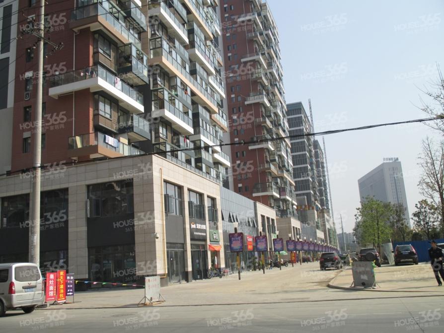 新站区家天下生活广场周边精装两室一厅采光通透环境优美诚心卖