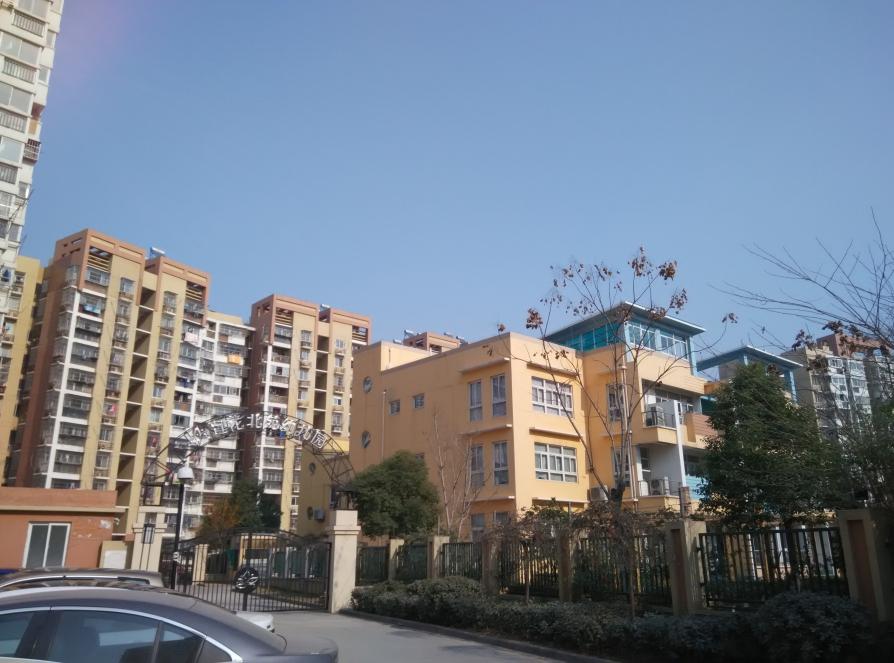 莲花新城2室1厅1卫67.29平米简装产权房2008年建