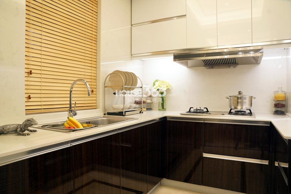银亿东城C1样板间——厨房