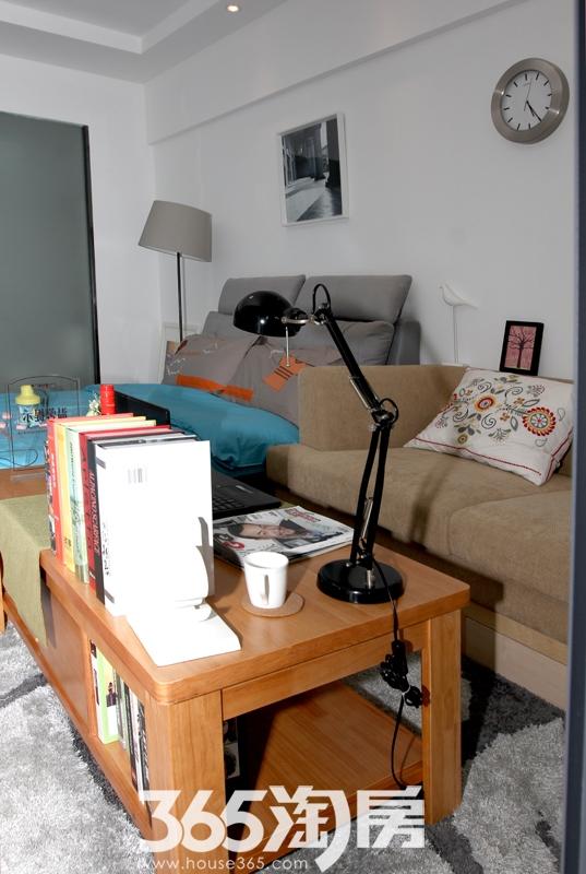 宝利丰广场公寓样板房客厅