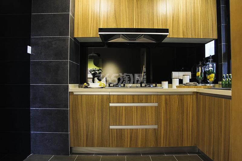 苏宁悦城三期93平样板间厨房