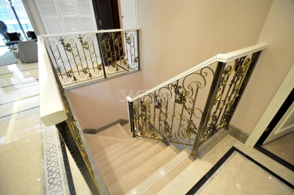 高科荣境桂山堂583㎡样板间地下室楼梯