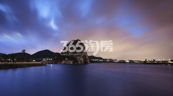 中航樾园项目旁寿桃湖实景