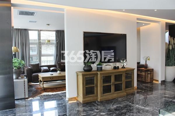 鼎泰中汇广场营销中心实景图(10.14)