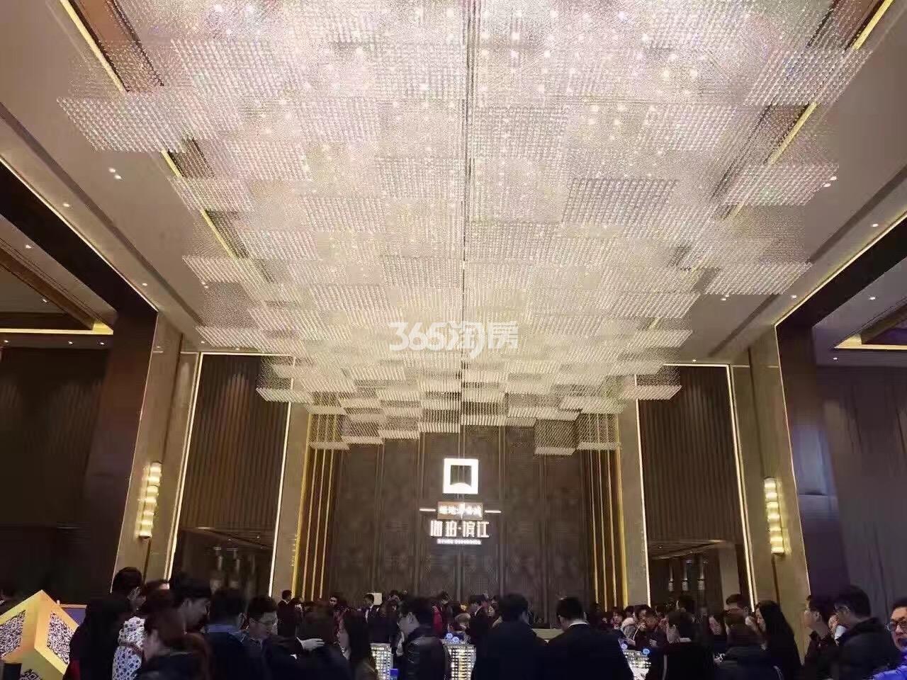绿地华侨城海珀滨江实景图(11.27)