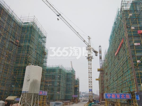 九龙仓御玺整体施工进度实景图(2017.4 摄)