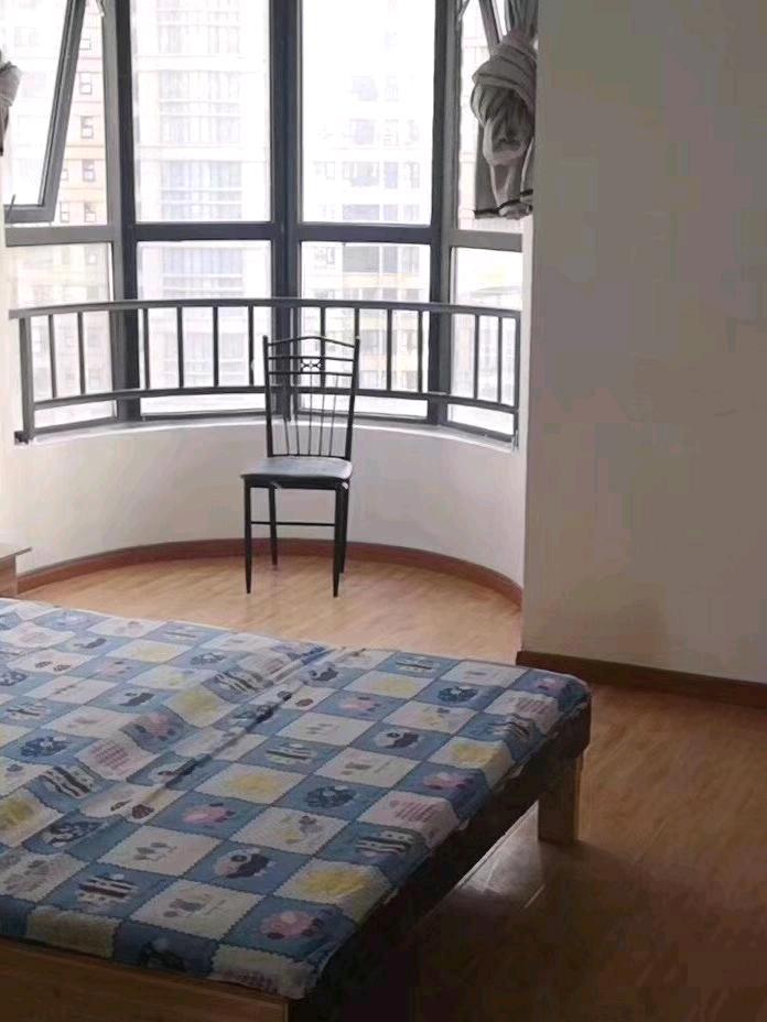 百商悦澜山4室2厅2卫14平米